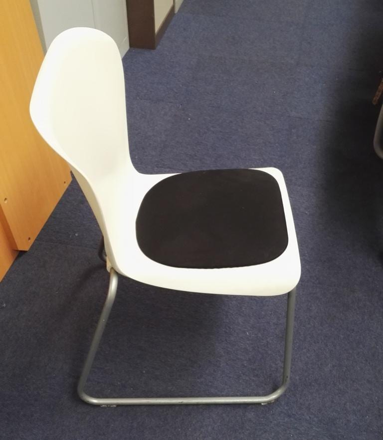 Item 453 Plastic Skid Canteen Chairs With Black Seat Pad