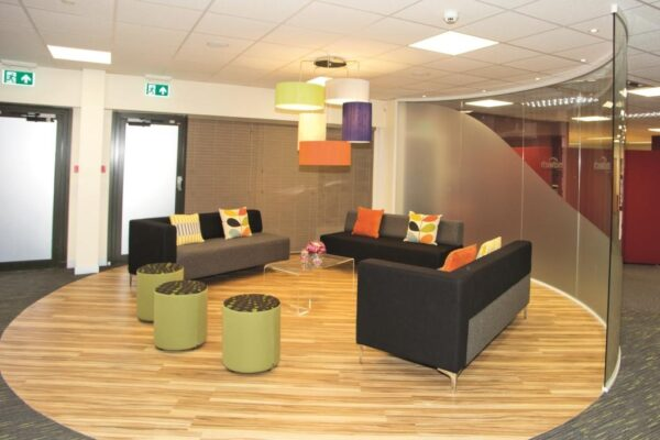 Evo modular reception seating roomshot