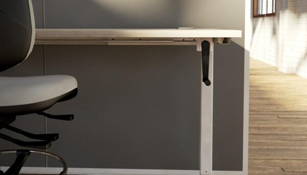 close up of the crank on the volt desk