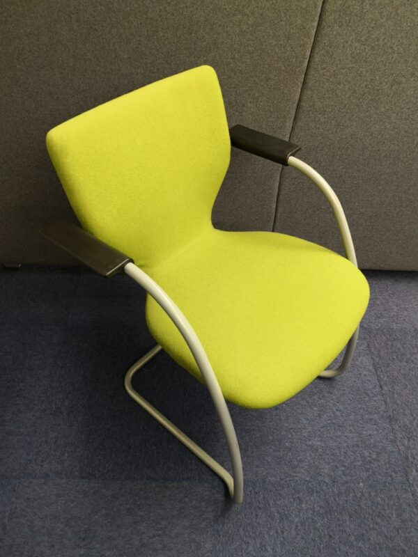 Green Cantilever meeting chair with arms