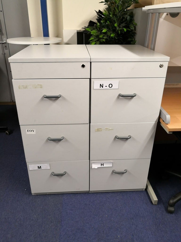 3 drawer grey filing cabinet - used