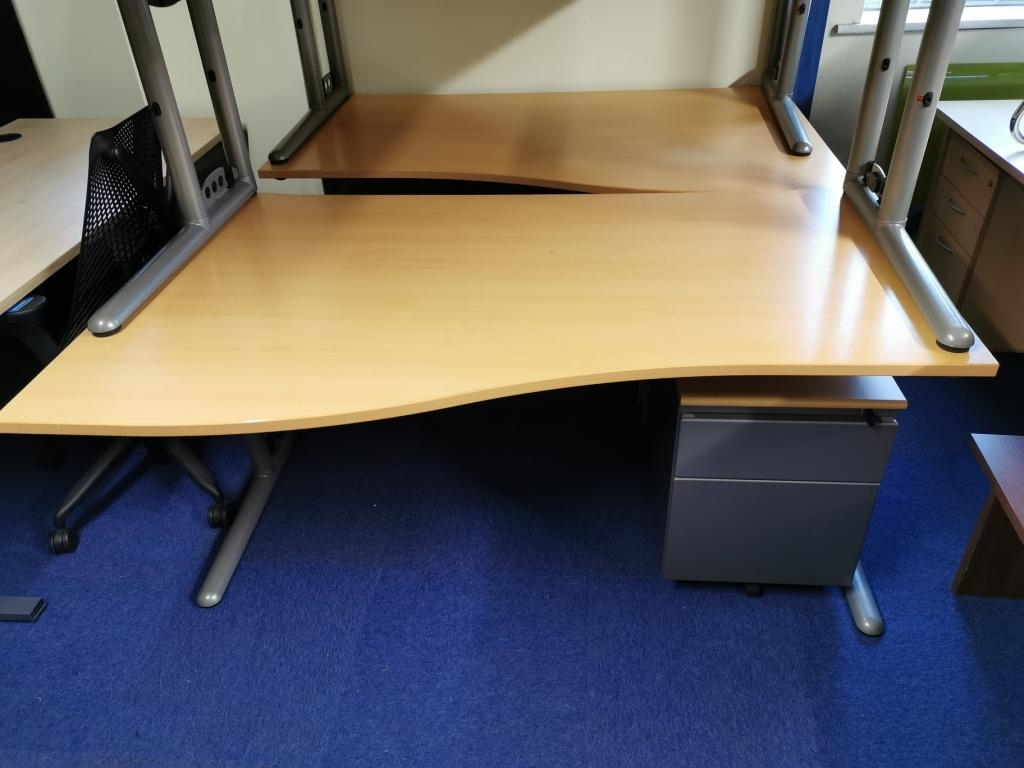 beech 1600 wide wave desk with set of drawers